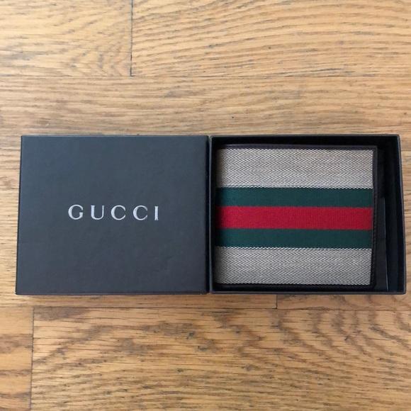 dbb4055ea0e7 Gucci Bags   Mens Classic Wallet   Poshmark